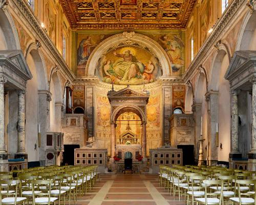 Interni della Chiesa San Cesareo de Appia a Roma